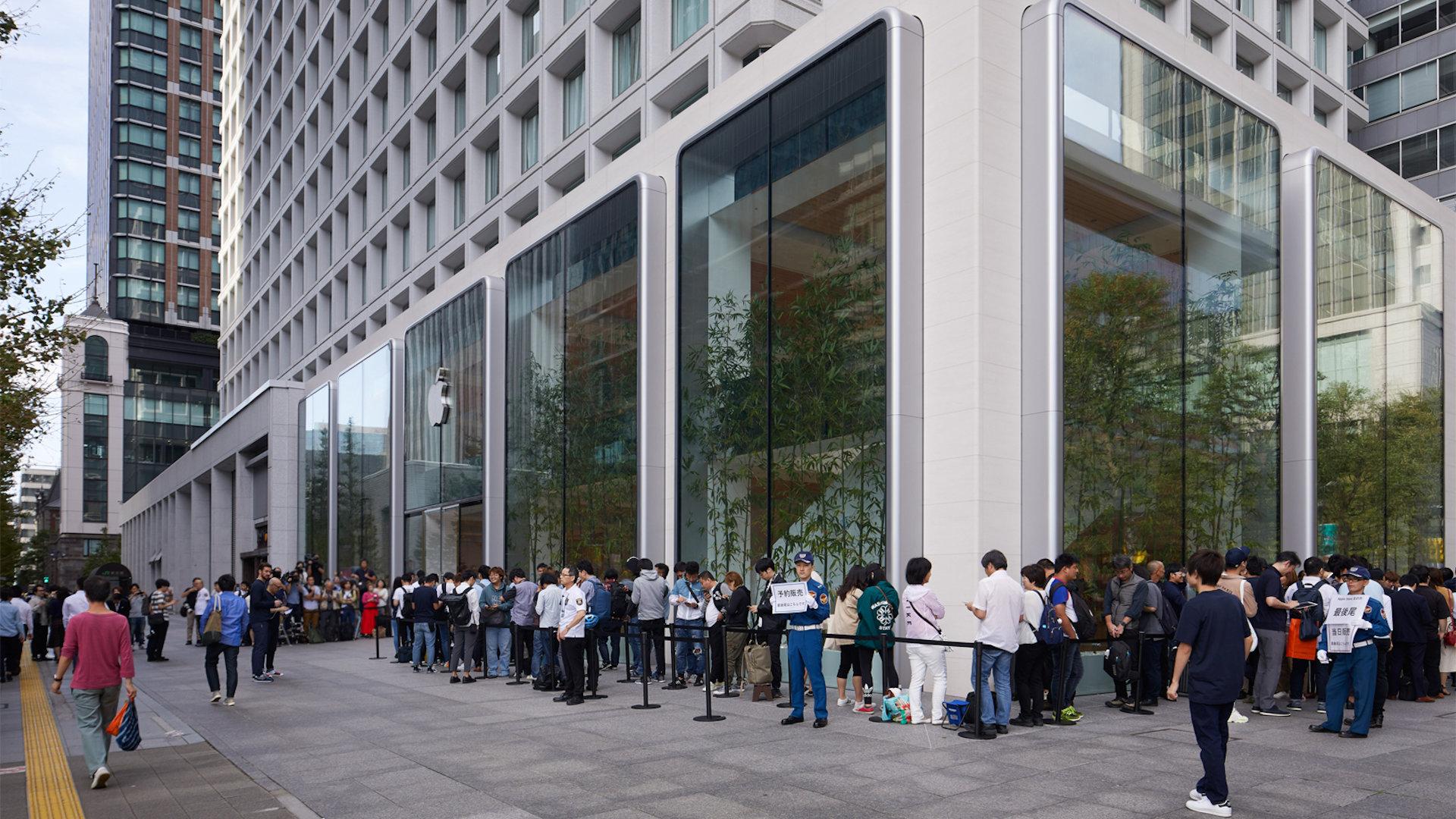iphone 11発売 Apple 丸の内 東京